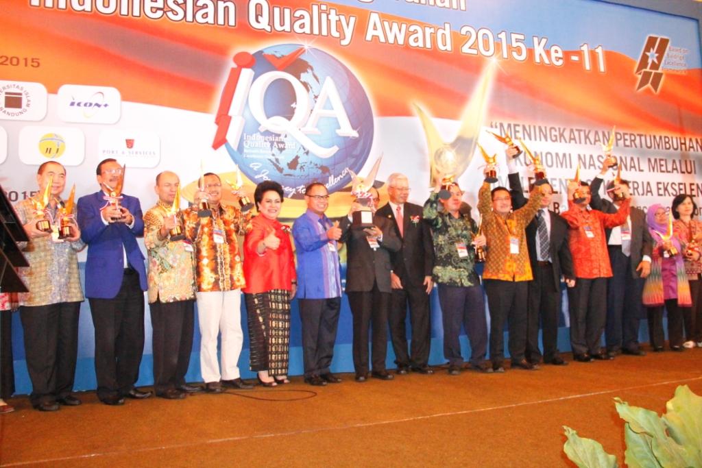 Foto Bersama Para Penerima Award IQA 2015